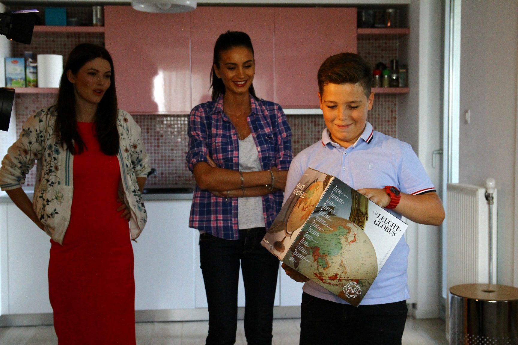 Geanina Varga, arata mai bine la Antena 1 decat la Prima TV