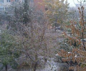 GALERIE FOTO: În luna octombrie, ninge ca-n povești! În sudul țării s-a așternut iarna!