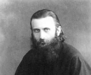 Mântuire la mormântul lui Arsenie Boca?! Ce a lăsat Părintele, îmbrăcat în haine preoțești, cu limbă de moarte, înainte de a se stinge