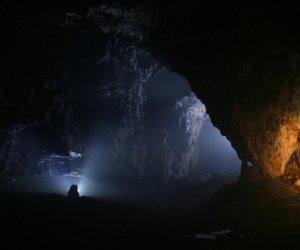 """""""Se întâmplă ceva necurat aici""""! SECRETELE uimitoare din interiorul munților BUCEGI!"""