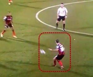 VIDEO: Momentul anului în fotbal!!! I-a căzut PERUCA în timpul meciului