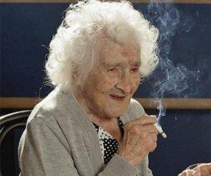 A trăit 122 de ani dintre care 100 a fumat! Secretul a fost dezvăluit de cercetători