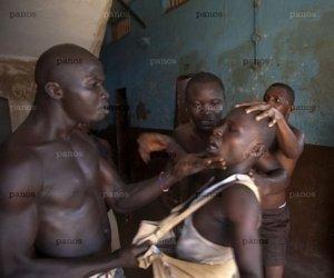 Galerie FOTO! Imagini de NESUPORTAT! Cum arată puşcăriile din Sierra Leone