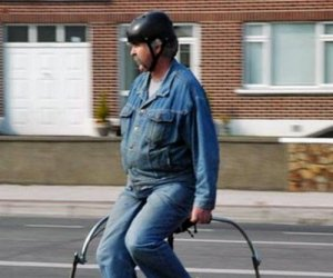 Invenţie inedită! Un irlandez a creat bicicleta cu două ghidoane