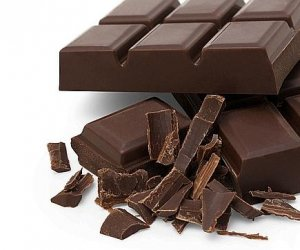 """Magie sau logică? Cum poți lua un """"pătrățel"""", dar ciocolata să rămână ÎNTREAGĂ!"""