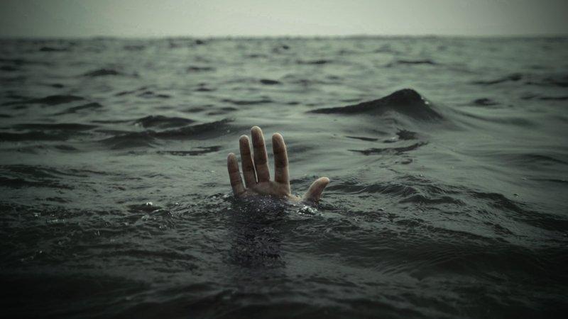 Vaporul se scufunda, dar și-a lăsat soția să moară ca să-și salveze lui viața! Motivul îți va da fiori și îți va demonstra că te-ai înșelat!