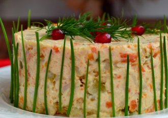 Orice gospodină trebuie să afle secretul ăsta! Aşa faci cea mai bună salată BOEUF pentru masa de Sărbători