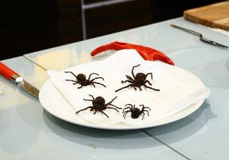 """Chef Florin Dumitrescu are o reacție incontrolabilă! Tarantule tempura în farfuriile juraților ,,Chefi la cuțite"""""""