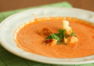 Cea mai delicioasă supă cremă de legume a toamnei! Chiar și cele mai nepricepute domnișoare se vor descurca de minune!