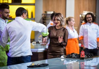 """Săptămâna viitoare pe Antena 1,Ultimele eliminări înainte de semifinala și finala sezonului 4 ,,Chefi la cuțite"""""""
