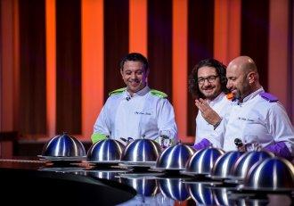 """Ultima confruntare pe echipe din bucătăria ,,Chefi la cuțite"""". Azi se dezvăluie numele semifinaliștilor"""