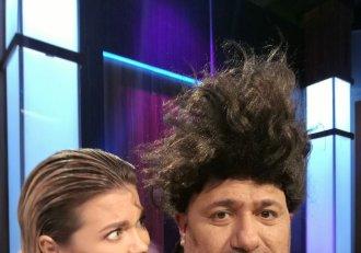 """Jurații o iau razna la """"Chefi la cuțite""""! I-a explodat părul lui Scărlătescu! Chefii își fac schimbare radicală de look!"""