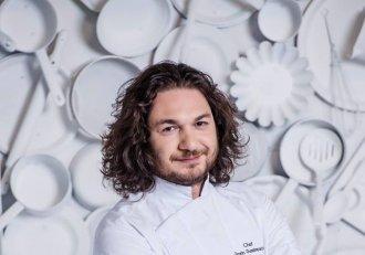 Cum arăta chef Florin Dumitrescu în urmă cu șase ani! Cu păr scurt și fără barbă aproape că nimeni nu îl recunoaște!