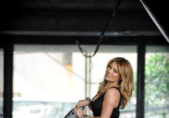 FOTO! Gina Pistol, cea mai sexy apariție de la Playboy încoace: rochia transparentă i-a lăsat la vedere formele