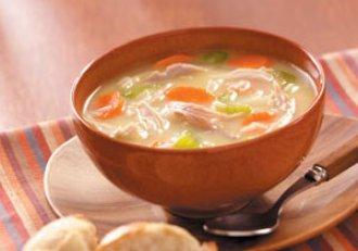 Ingredientul secret care transformă o ciorbă obişnuită într-una delicioasă! Reţeta celei mai bune supe de curcan