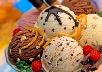 Vremea se pare că și-a revenit, iar o înghețată e tot ce ți-ai mai putea dori! Uită de E-uri și aditivi și prepar-o chiar tu!