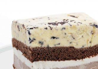 """Vară, caniculă și pofte """"estivale""""! Cea mai simplă rețetă de tort de înghețată, un deliciu răcoros la un preț scandalos de mic"""