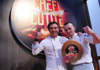 """Cristi Șerb, primul câștigător al emisiunii """"Chefi la cuțite"""", are o poveste impresionantă de viață! """"Nu m-am gândit că o să ajung bucătar"""""""