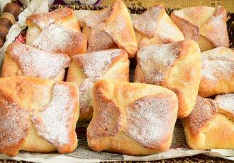 Poale-n brâu moldovenești, acele brânzoaice renumite, pe care nu poți să le ocolești, în Moldova de poposești